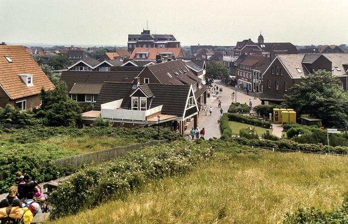 Langeoog Blick vom Fuß des Wasserturm Richtung Dorfstraße