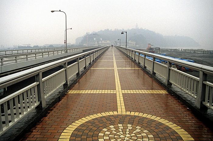 Brücke zwischen Katase und Enoshima