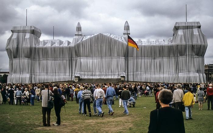 Verhüllter Reichstag, Platz der Republik Berlin 1995