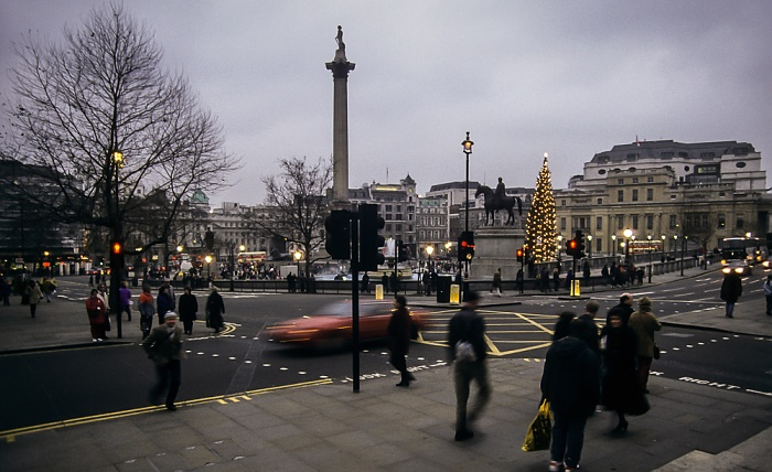City of Westminster: Trafalgar Square mit der Nelson's Column London 1995