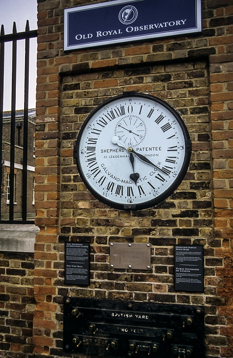 Greenwich: Royal Greenwich Observatory - Shepherd Gate Clock London 1995
