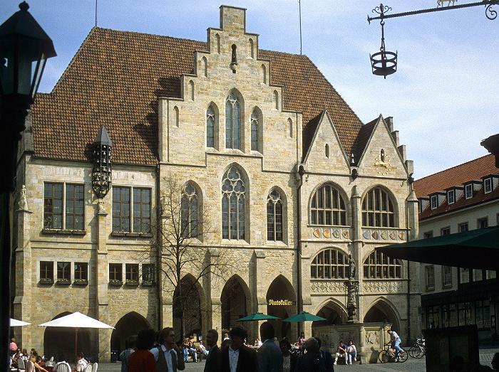 Hildesheim Marktplatz: Rathaus, Rolandbrunnen