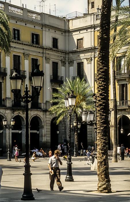 Ciutat Vella: Barri Gòtic - Plaça Reial Barcelona 1996