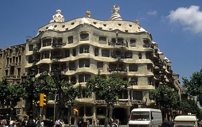 Eixample: Passeig de Gràcia - Casa Milà Barcelona 1996