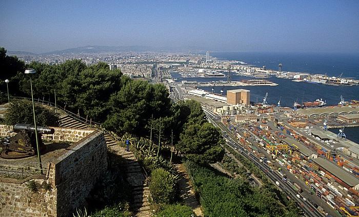 Blick vom Montjuïc: Stadtzentrum und Mittelmeer Barcelona