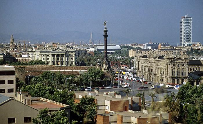 Blick vom Montjuïc: Placa del Portal de la Pau mit dem Kolumbus-Denkmal Barcelona