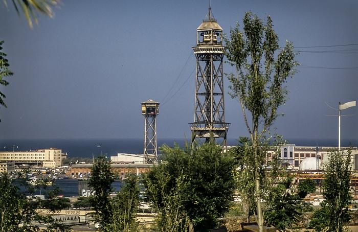 Blick vom Montjuïc: Torre Sant Sebastia (links) und Torre Jaume I (rechts) Barcelona 1996