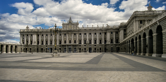 Rund um den Palacio Real Madrid