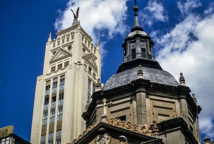 Calle de Alcalá: Iglesia de las Calatravas Madrid 1996