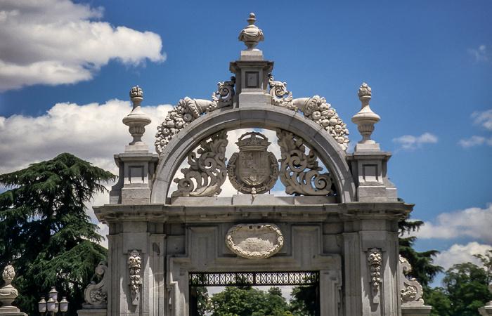 Parque del Retiro: Puerta de Felipe IV (Puerta de Mariana de Neoburgo) Madrid 1996