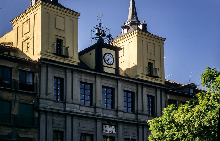 Centro Histórico: Plaza Mayor - Ayuntamiento de Segovia Segovia 1996