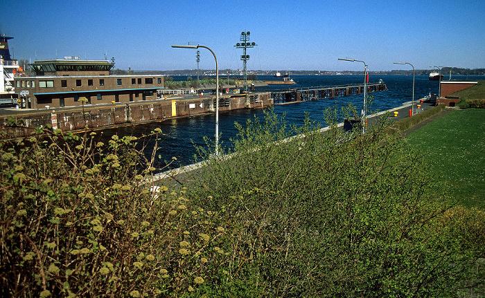 Nord-Ostsee-Kanal: Schleuse Kiel-Holtenau Kieler Förde