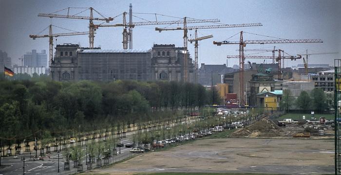 Blick von der Info-Box Potsdamer Platz: Großer Tiergarten / Ebertstraße Berlin 1997