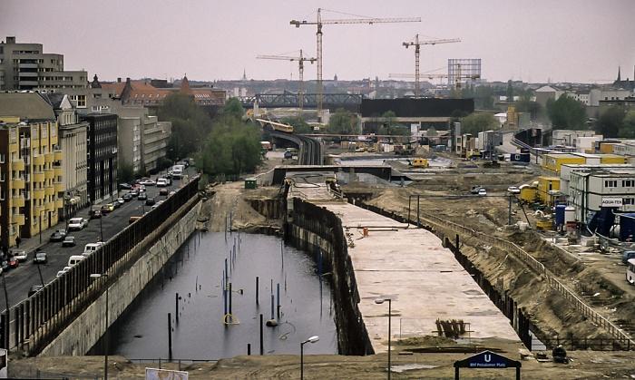 Blick von der Info-Box Potsdamer Platz: Tunnel der U-Bahn-Linie 2 Berlin 1997