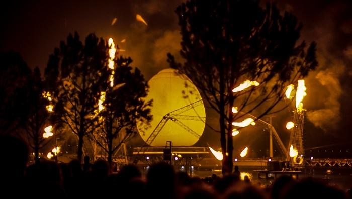 Lissabon EXPO '98: Nächtliche Vorführung in der Doca dos Olivais