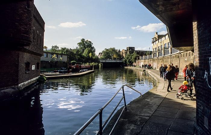 Camden Town: Regent's Canal London 1998