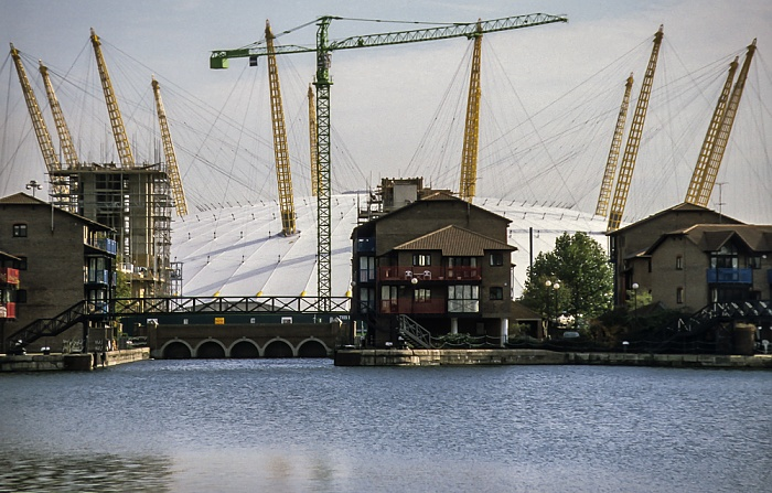 Docklands: Blackwall Basin, Millennium Dome London 1998