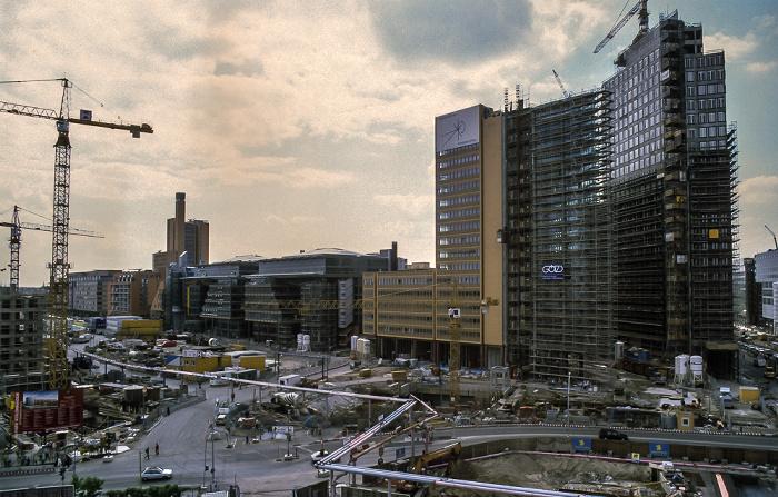 Blick von der Info-Box Potsdamer Platz: Potsdamer Platz / DaimlerChrysler-Areal (Baustelle) Berlin 1999