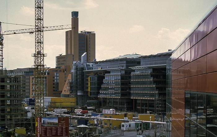 Blick von der Info-Box Potsdamer Platz: DaimlerChrysler-Areal mit debis-Haus Berlin 1999