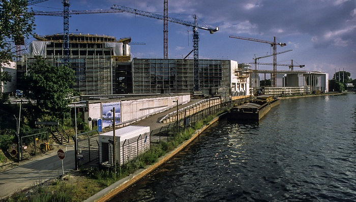 Tiergarten: Bundeskanzleramt (Baustelle), Spree Berlin 1999