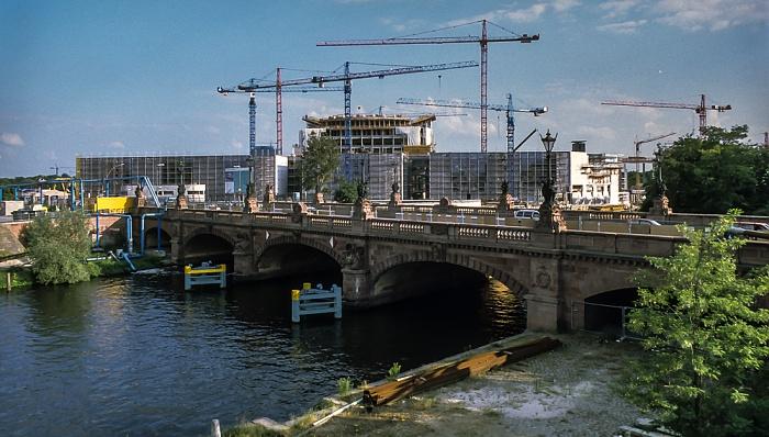 Tiergarten: Spree, Moltkebrücke, Bundeskanzleramt (Baustelle) Berlin 1999