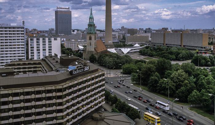 Blick vom Berliner Dom: Radisson SAS Hotel, Karl-Liebknecht-Straße, Marx-Engels-Forum Berlin 1999
