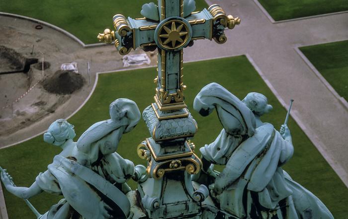 Berliner Dom Lustgarten