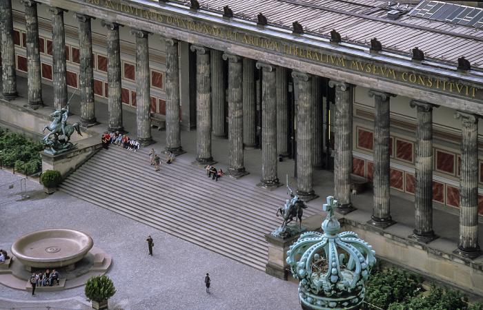 Blick vom Berliner Dom: Altes Museum am Lustgarten Berlin 1999