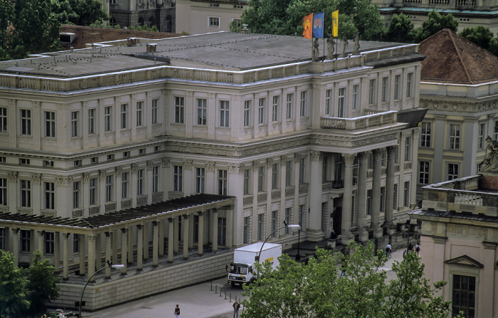 Blick vom Berliner Dom: Unter den Linden - Kronprinzenpalais Berlin 1999