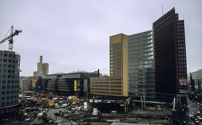 Blick von der Info-Box Potsdamer Platz: Potsdamer Platz / DaimlerChrysler-Areal Berlin 2000