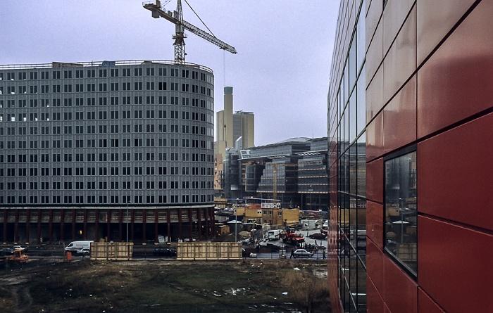 Blick von der Info-Box Potsdamer Platz: Potsdamer Platz / DaimlerChrysler-Areal mit debis-Haus Berlin 2000