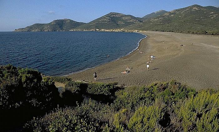 Golfe de Galéria Strand an der Mündung des Fango