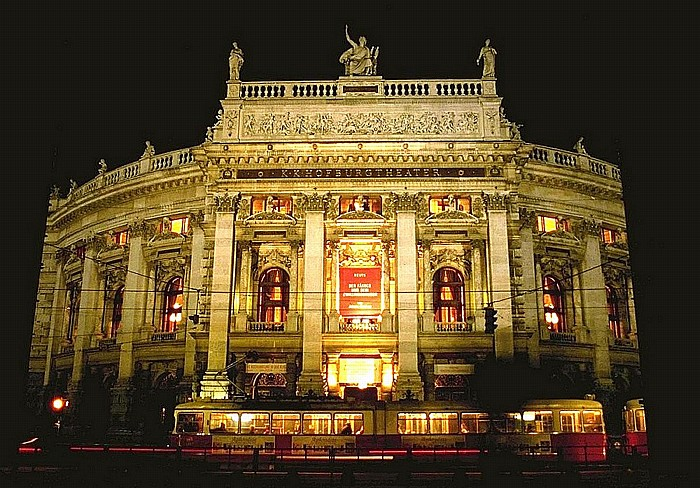 Innere Stadt: Wiener Ringstraße (Universitätsring) - Burgtheater Wien 2001