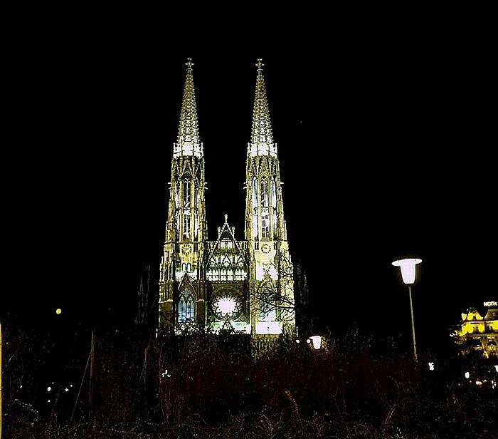 Alsergrund (IX. Bezirk): Votivkirche Wien 2001