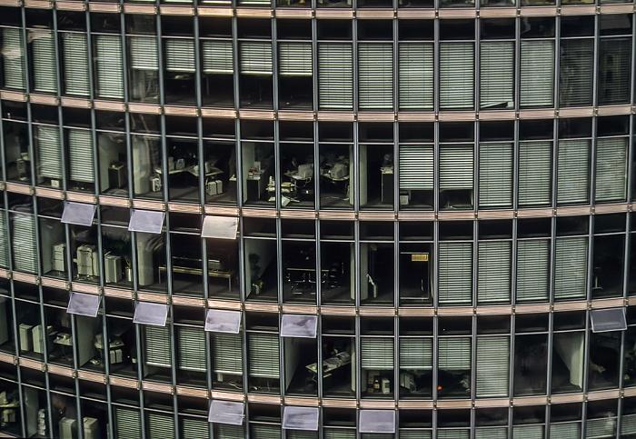 Blick vom Gebäude Potsdamer Platz 1: Sony-Turm (DB-Zentrale) Berlin 2001