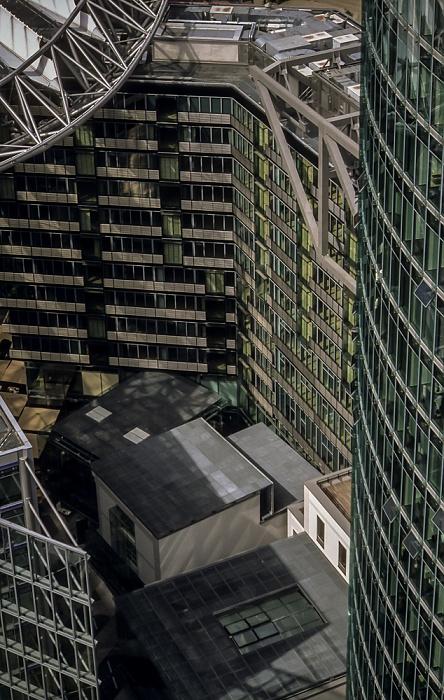 Blick vom Gebäude Potsdamer Platz 1: Sony Center Berlin 2001
