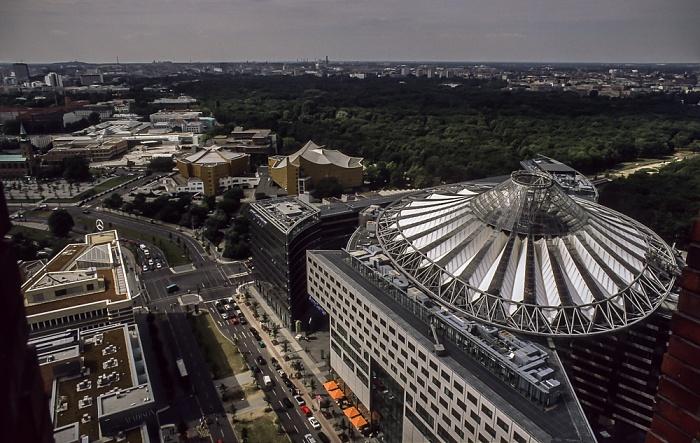 Blick vom Gebäude Potsdamer Platz 1: Kulturforum, Großer Tiergarten, Sony Center Berlin 2001