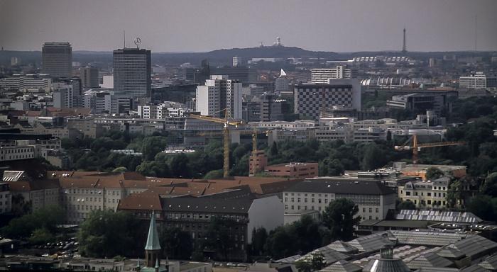 Blick vom Gebäude Potsdamer Platz 1: Stadtzentrum West mit Europa-Center und Kaiser-Wilhelm-Gedächtniskirche Berlin 2001