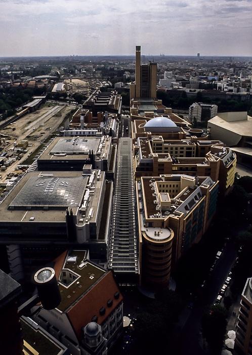 Blick vom Gebäude Potsdamer Platz 1: debis-Gebäude Berlin 2001