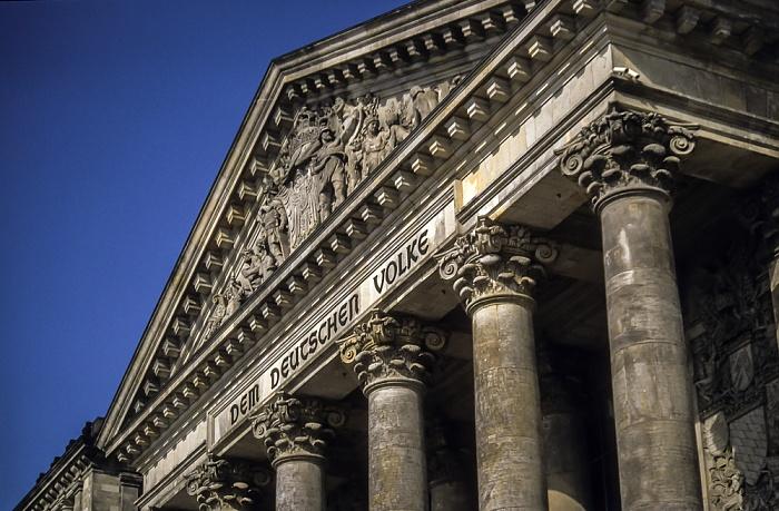 Reichstagsgebäude Berlin 2001