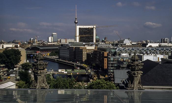 Blick vom Dach des Reichstagsgebäudes Berlin 2001