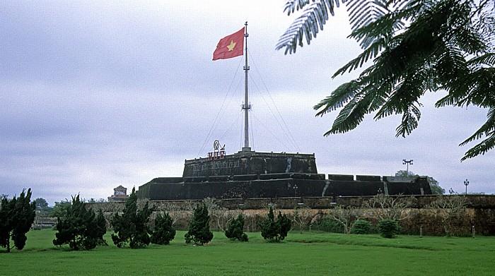 Hue Flaggenturm