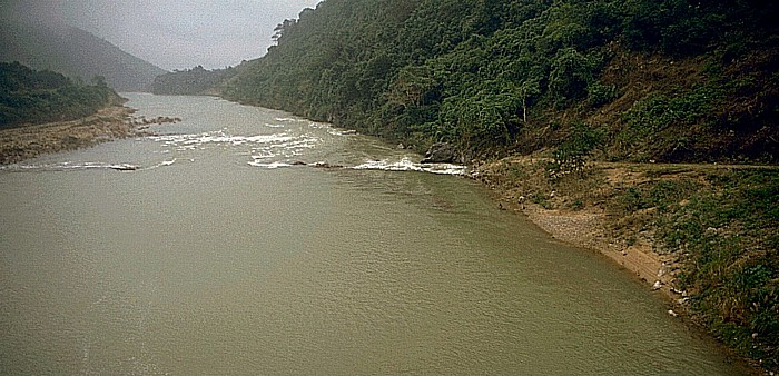 Demilitarisierte Zone Ho Chi Minh-Pfad durch den Dakrong-Fluss