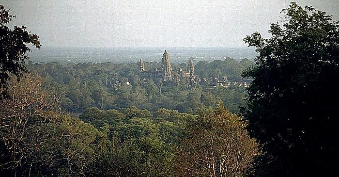 Phnom Bakeng: Blick auf Angkor Wat