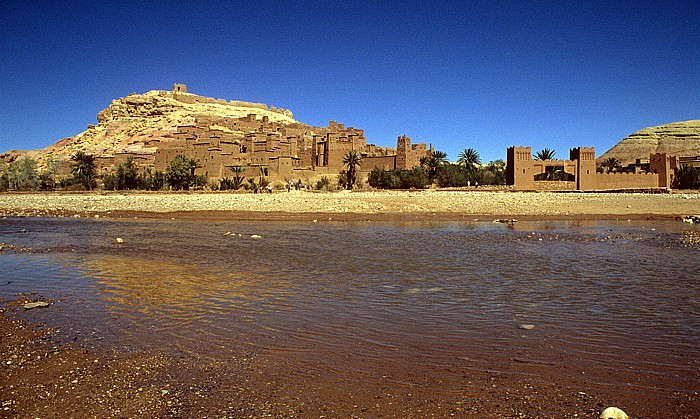 Âit Benhaddou Im Vordergrund der Oued Mellah