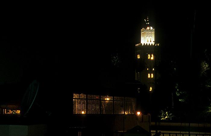 Marrakesch Blick vom Hotel Afriquia: Katubiya Moschee Koutoubia-Moschee Place des Ferblantiers