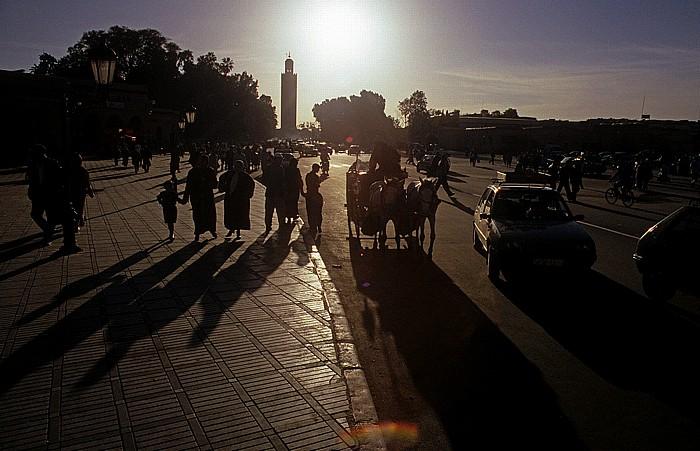 Marrakesch Place Djamaa el-Fna Koutoubia-Moschee Place des Ferblantiers Place Djemaa el Fna