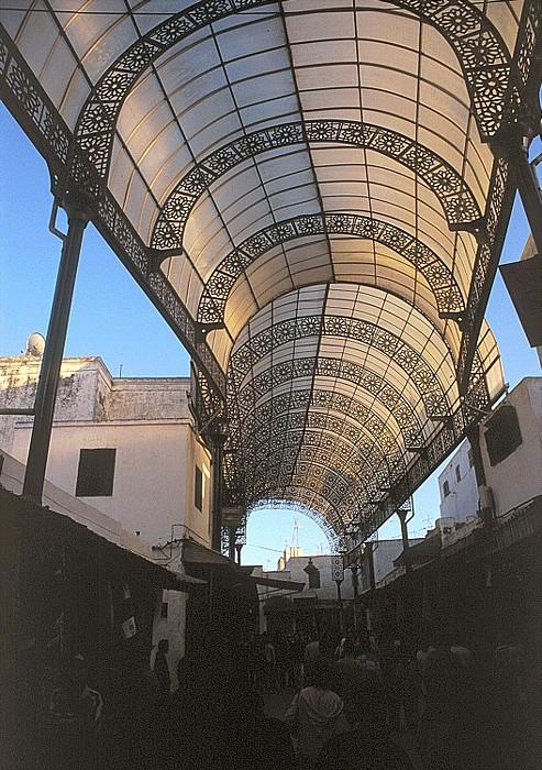 Rabat Rue des Consuls: Durchgangsstraße und Handelsplatz