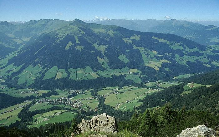 Gratlspitz Wiedesberger Horn, davor das Alpbachtal mit Alpbach