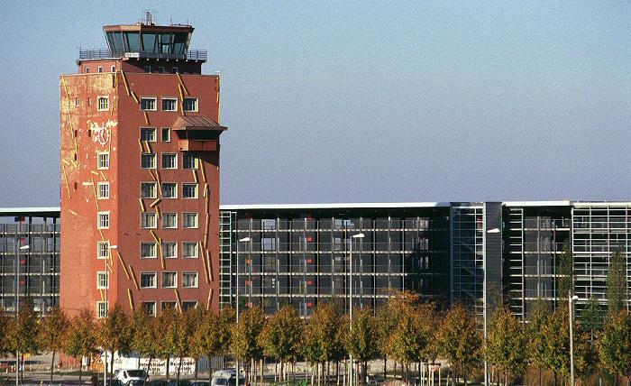 München Messestadt Riem: Tower des ehemaligen Flughafen Riem Tower Flughafen Riem